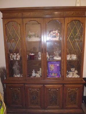 China/doll hutch. lights inside for Sale in Lebanon, IN