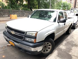 2006 Chevy Silverado 1500 Ext Cab for Sale in New York, NY
