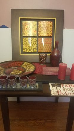 Red and gold decor for Sale in Pittsburgh,  PA