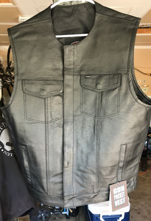 Leather motorcycle vest XL gun pocket for Sale in San Antonio, TX