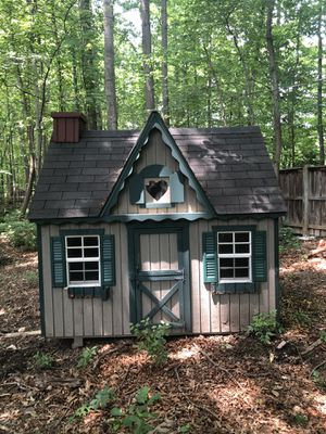 Outdoor Shed/Playhouse in Great Condition! for Sale in Reston, VA