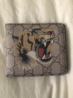 Gucci wallet for Sale in Gardena, CA