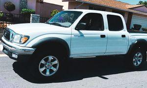 2003 Toyota Tacoma 2.7L 4WD for Sale in Wichita, KS