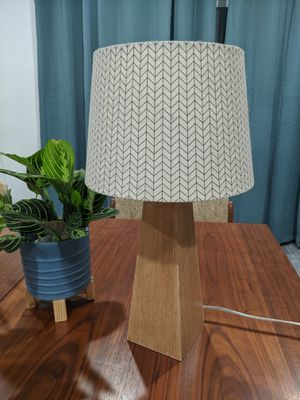 Mid century modern wood and cloth table night stand light lamp for Sale in West Covina, CA