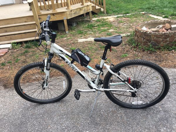 Women's Trek 820 Mountain Bike