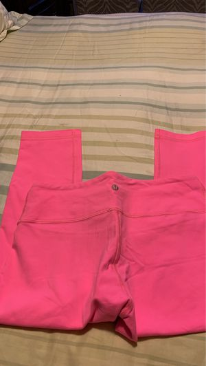 Hot pink lululemon size 8 for Sale in San Jose, CA