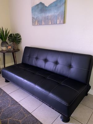 Recliner sofa for Sale in Miami, FL