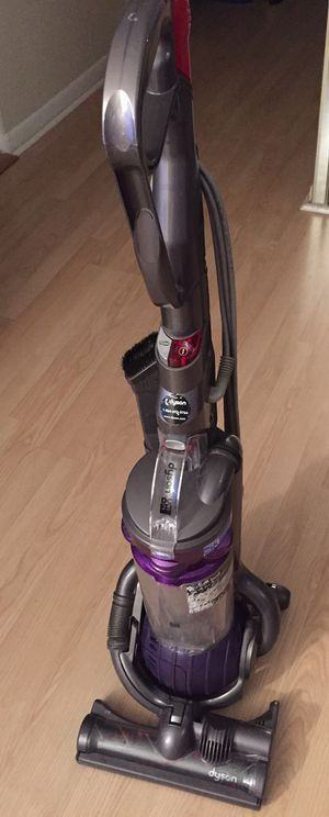Dyson dc25 ball vacuum for Sale in Hollywood, FL
