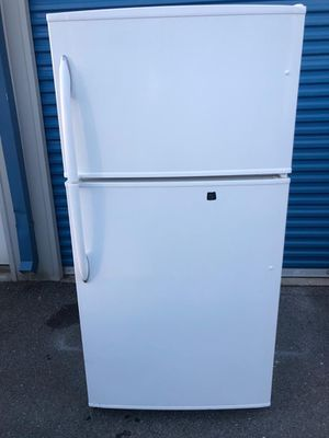 Refrigerator Maytag for Sale in Frederick, MD