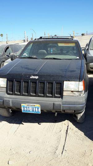 1998 Black Grand Cherokee JEEP( PARTS 4 SALE ) for Sale in Las Vegas, NV