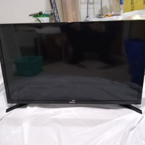 "Samsung Tv Led 32"" like New (2 years old)! No Smart. Included original remote control and power supply! Only 50 dollars for Sale in Queens, NY"
