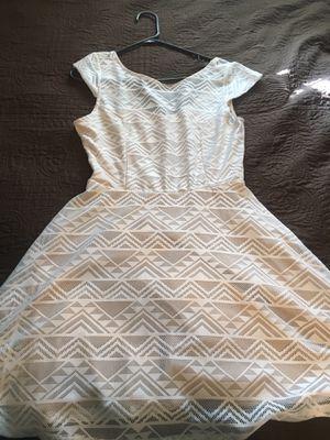 Women's/Juniors white dress for Sale in Bakersfield, CA