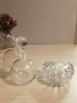 Adorable crystal bottle and heart trinket for Sale in Queens, NY