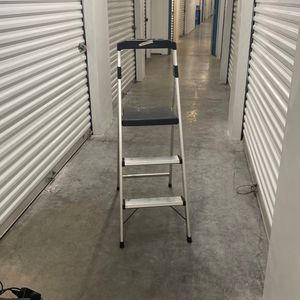 3 Step / Step Ladder for Sale in Seattle, WA