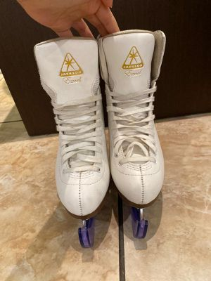 Figure Skates for Sale in Hialeah, FL
