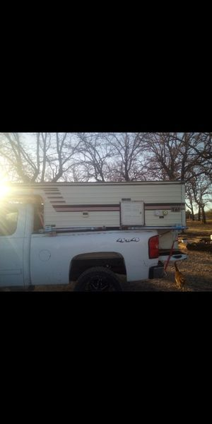 Pop up camper with 2 beds, stove, refrigerator, sink, heater, table , no a/c for Sale in Paradise, TX