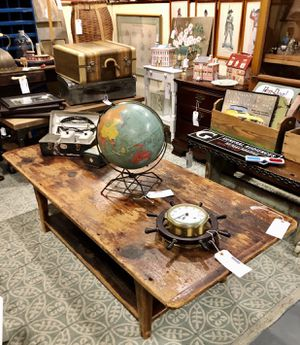 Handcrafted Vintage Barn Wood Coffee Table for Sale in Savannah, GA