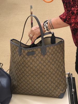 Gucci supreme Star Tote with wallet for Sale in University Heights, OH