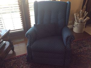 LazyBoy rocker recliner for Sale in Mount Sterling, IL