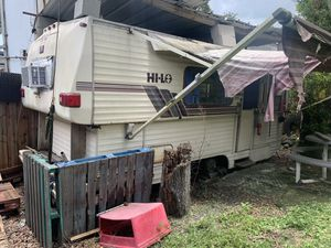 Camper Free for Sale in Gibsonton, FL