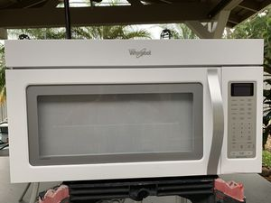 Whirlpool over counter microwave for Sale in Lake Worth, FL