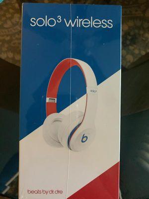 Beats Solo 3 wireless for Sale in Oxnard, CA