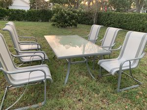 Patio furniture, 6 chairs and table for Sale in West Palm Beach, FL
