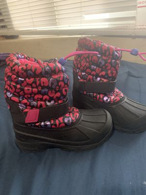 Girls snow boots size 1 for Sale in Ceres, CA