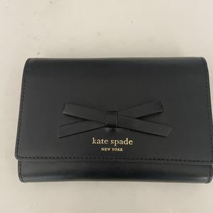 Authentic Kate Spade Wallet for Sale in Chandler, AZ