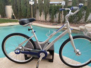 Trek lime comfort bike Automatic shifting bike like new for Sale in Las Vegas, NV