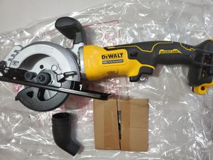 Dewalt brushless circular saw 4 1/2 NO BATTERY NO CHARGER for Sale in Houston, TX