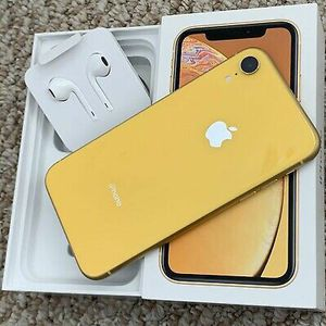 Apple iPhone XR - 64GB - Yellow (Unlocked) A1984 (CDMA + GSM) 100% Flawless for Sale in Las Vegas, NV
