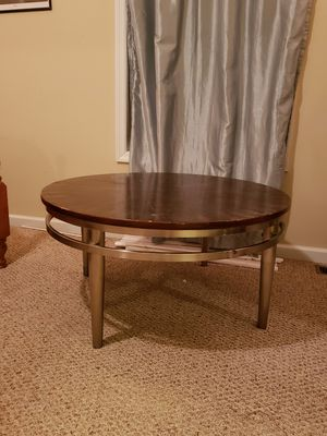 Round coffee table for Sale in Richmond, KY