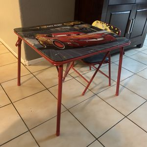 Free Cars toddler Table for Sale in Sylmar, CA