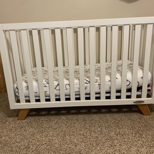 Baby Crib That Converts To Toddler Bed for Sale in Signal Hill, CA