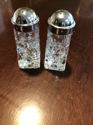 Vintage salt & pepper shakers from the 1960's for Sale in Gainesville, GA