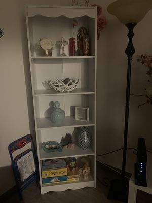White bookcase for Sale in San Jose, CA