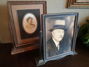 2 antique wooden picture frames for Sale in Seattle, WA