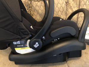 Maxi Cosí Car seat and stroller set for Sale in Laredo, TX