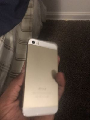 iPhone 5 for Sale in Bedford, OH