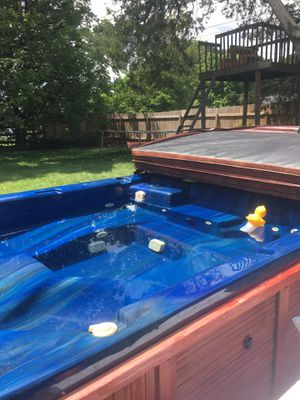 Hot tub/Jucizzi for Sale in Kernersville, NC