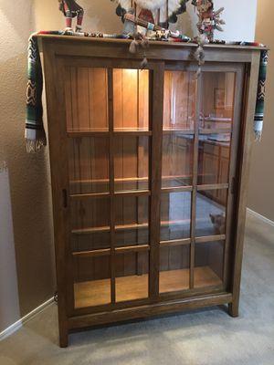 Bookcase/Curio Cabinet for Sale in Mesa, AZ
