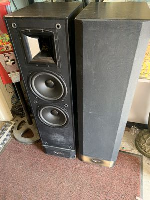 Klipsch speakers sound awesome for Sale in Fresno, CA