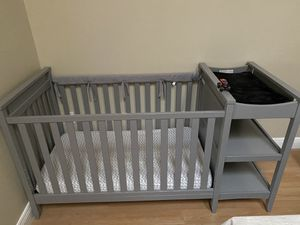 Crib and changing table combo for SALE / cuna de bebe con cambiador for Sale in Hialeah, FL