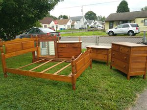 Antique Furniture & Antique Bedset for Sale in Croydon, PA