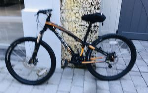 Three mountains bikes good conditioning for Sale in Miami, FL
