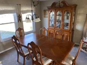 Dining room set for Sale in Huber Heights, OH