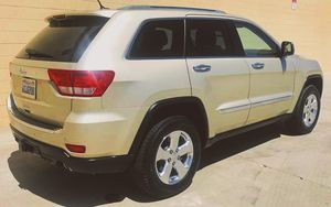 CLEAN 2009 Jeep Grand Cherokee price 1000$ for Sale in Moreno Valley, CA