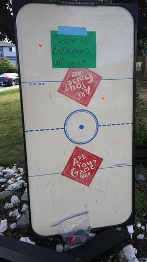 Air hockey table works all stuff together for Sale in Stanwood, WA