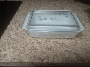 Pyrex vintage pinecone casserole with lid.Space saver 2 qt 575-B for Sale in Tampa, FL